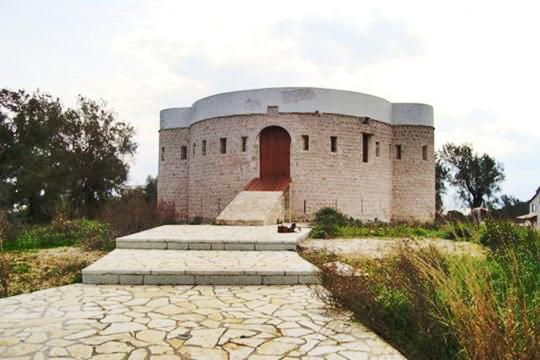 Koronisia Castle