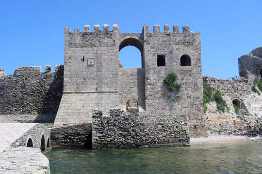 The sea gate and its towers
